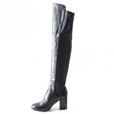 Lemarè tronchetto donna in pelle nera con borchie frontali chiusa con zip