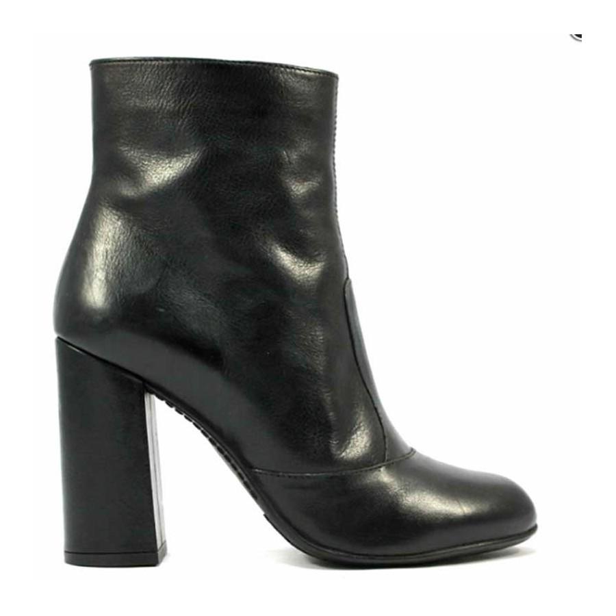 Carmens Padova 38067 Tronchetto in pelle nera con zip laterale